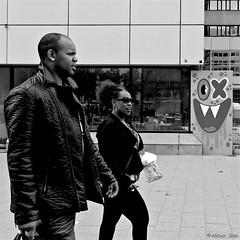 DSCN3941 (Akbar Simonse) Tags: rotterdam holland netherlands nederland graffiti oxalien lastplak people candid straat street urban streetphotography streetshot straatfotografie straatfoto zwartwit bw blancoynegro bn monochrome vierkant square akbarsimonse man woman