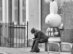 © Inge Hoogendoorn (ingehoogendoorn) Tags: nijntje nijntjepluis agnietenstraat utrecht nijntjemuseum break takeabreak pauze smoke smoking absurd streetphotography straatfotografie streetscene blackandwhite blacknwhite monochrome monochroom