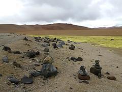 .... (Azaharito) Tags: chile salardetara piedras stones