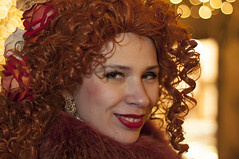 La Signora in rosso Carnevale Venezia (paolo bonfanti) Tags: venezia venice veneto carnevale colori simpatia sorrisi luci