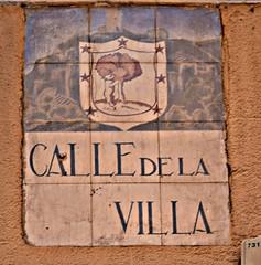 Azulejo antiguo de calle de la Villa. Madrid (Carlos Viñas-Valle) Tags: calledelavilla azulejo osoymadroño