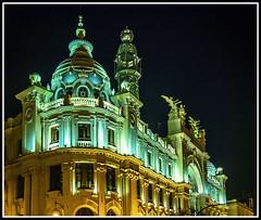 Paseando por Valencia (edomingo) Tags: edomingo olympusomdem10 mzuiko1240 iluminaciónnocturna correos valencia arquitectura