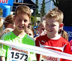 Buddies (Cavabienmerci) Tags: rotseelauf 2017 suisse schweiz switzerland run running race sport sports runner läufer lauf course à pied coureur boy boys earring earrings