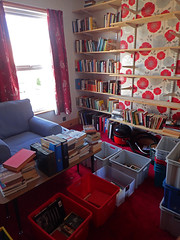 2017_04_150005 (Gwydion M. Williams) Tags: books bookcases sorting coventry britain greatbritain uk england warwickshire westmidlands chapelfields sirthomaswhitesroad