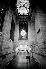 Grand Central Passage (DHaug) Tags: grandcentralterminal gct midtown manhattan passage chandeliers commuters newyorkcity nyc blackandwhite noiretblanc fujifilm xt2 xf1024mmf4rois xf1024 explore explored
