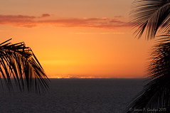 Green Flash (Zeta_Ori) Tags: maui hawaii wailea grandwaileahotel grandwailea grandwailearesort greenflash sunset