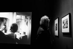 Illuminated hair @ Stedelijk Museum (Amsterdam) (PaulHoo) Tags: amsterdam holland netherlands stedelijk museum ed van der elsken 2017 fujifilm x70 fuji exposition bw blackandwhite monochrome men man illuminated hair grey old elderly film photograph