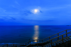 Moonlight (Novice Shooter) Tags: moonlight moon nightsky night dorset swanage england unitedkingdom landscape seaside coastline