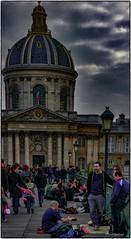 Happy hours au Pont des arts (yvesgalland) Tags: paris îledefrance france fr 75 pontdesarts
