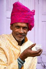 A turbaned man drinking chai, Jodhpur, India ジョードプル チャイを飲む男性 (travelingmipo) Tags: travel photo india asia 旅行 写真 インド アジア rajasthan ラジャスタン ラジャスターン jodhpur जोधपुर ジョードプル bluecity suncity ブルーシティ street chai chay tea milktea チャイ turban ターバン 民族衣装 portrait