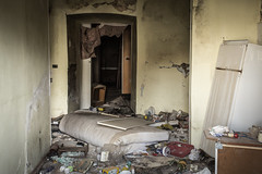 Onna  le nuvole (https://www.facebook.com/robertotaddeofoto28) Tags: abruzzo reportage onna terremoto terremotolaquila robertotaddeo