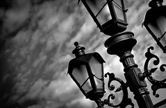 Give me the light BW (marcelo.guerra.fotos) Tags: city light brazil blackandwhite bw black detail classic blancoynegro lamp monochrome beautiful metal clouds blackwhite noir noiretblanc cloudy deep machinery bianconero biancoenero blackdiamond londrina 白黒 黑与白 historicalarchitecture cloudlet marceloguerra t2i antiqueness canonefs18135mmf3556is canoneosrebelt2i machineryhdr flickrstruereflection1 flickrstruereflection2 чернобелоеизображение