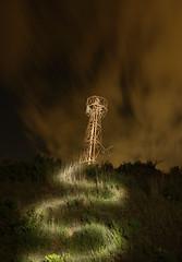 Torre de powah (Adrià Cabo) Tags: nocturna maglite3d