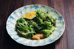蔬菜沙拉Salad (EndlessJune) Tags: food breakfast pepper 50mm yummy nikon good tasty lettuce eggs 早餐 romaine foodphotography 鸡蛋 枸杞 thousandislanddressing 黑胡椒 goodtasting 黑芝麻 白煮蛋 nikond7000 罗马生菜 苦苣 千岛酱