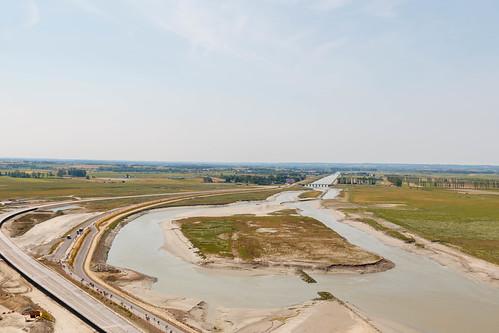 Le nouveau Pont-Passerelle en construction et la Digue Route