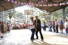 Festa Junina da Fundao Julita (fundaojulita) Tags: amigos noite alegria festa junina fundao fogueira forr julita bandeirinhas danar