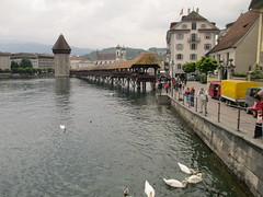 Reuss River (Lucerne, Switzerland) (courthouselover) Tags: schweiz switzerland suisse bridges luzern svizzera lucerne lucerna ch chapelbridge kapellbrcke svizra confoederatiohelvetica swissconfederation cantonoflucerne