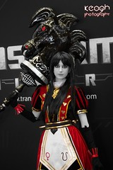 IMG_3101 (Neil Keogh Photography) Tags: red black girl hearts gold cosplay alice hobbyhorse spades aliceinwonderland queenofhearts alicemadnessreturns mcmexpomanchester2014 comiconmanchester2014