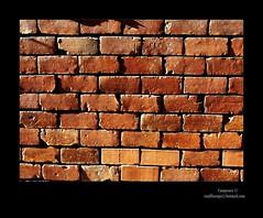 (Campeuro) Tags: ladrillo muro stone wall pared stones naranja paredes muros piedra