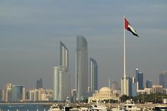 Abu Dhabi giant flag (LePierre) Tags: street sea building tower bay united emirates abu dhabi immeuble arabs