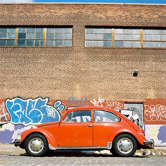 (pexy) Tags: brooklyn beetle greenpoint hasselblad500cm carlzeiss80mm