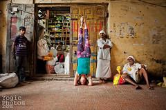 IMG_8650ChristineHewitt_YogicPhotos (yogicphotos) Tags: travel boy woman india men yoga women market watching kati mysore asana headstand participation christinehewitt sirsasana yogaphotography deverajamarket yogaphotographer yogicphotos katischubert