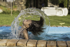 ELLAS - Jugando con el Agua