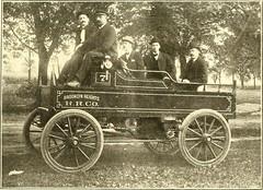 Anglų lietuvių žodynas. Žodis patrol wagon reiškia patrol visureigis lietuviškai.