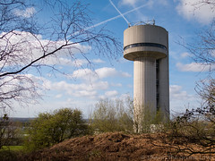 Daresbury laboratory tower 02 apr 17 (Shaun the grime lover) Tags: warrington spring tower daresbury keckwick laboratory vandegraaf labs cheshire halton science park concrete