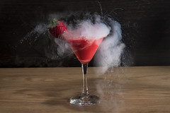 Cocktail N2... (Antonio Iacobelli (Jacobson-2012)) Tags: azoto liquid nitrogen acrylic color strawberry splash bari nikon d5 nikkor 60mm cocktail cactus rf60