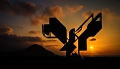 Sunset (nereaoroquieta) Tags: donostia sansebastian gipuzkoa beach sunset atardecer naranja orange zurriola sagües mar sea sun clouds urgull playa nature escultura contraluz backlighting
