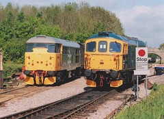 "Preserved Original Railfreight Class 31/1, 31108 & BR Blue Class 33/1, 33103 ""Swordfish"" (37190 ""Dalzell"") Tags: brblue originalrailfreight brush type2 ee englishelectric skinhead ped goyle brian class31 class311 birminghamrailwaycarriagewagonco brcwco type3 crompton bagpipe class33 class331 31108 d5526 33103 swordfish d6514 dieselgala swanagerailway norden"