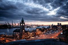 Hamburg - eine Perle (Gruenewiese86) Tags: hamburg urlaub sun sunset germany german deutschland deutsch canon 1530 tamron clouds dramatic dramatisch himmel cloud city cityscape