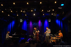 Eric Revis Quartet feat. Ken Vandermark (jazzfoto.at) Tags: wwwjazzfotoat wwwjazzitat jazzitsalzburg jazzitmusikclubsalzburg jazzitmusikclub jazzfoto jazzfotos jazzphoto jazzphotos markuslackinger jazzinsalzburg jazzclubsalzburg jazzkellersalzburg jazzclub jazzkeller jazzit2017 jazz jazzsalzburg jazzlive livejazz konzertfoto konzertfotos concertphoto concertphotos liveinconcert stagephoto greatjazzvenue greatjazzvenue2017 downbeatgreatjazzvenue salzburg salisburgo salzbourg salzburgo austria autriche blitzlos ohneblitz noflash withoutflash sonyrx100m3 rx100m3 rx100miii sonyrx100iii sonydscrx100iii dscrx100iii sony