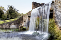 Waterfall at Newstead Abbey, Nottinghamshire (Arran Bee) Tags: newstead abbey waterfall nottinghamshire nottingham midlands canon 80d spring england outdoor countryside lord byron water