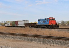 Class 1 GP9s (BravoDelta1999) Tags: grandtrunkwestern gtw railroad canadiannational cn railway indianaharborbelt ihb franklinpark illinois emd gp9r 4623 r904 manifest train