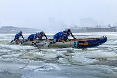 Enwèye par là (Paul Leb) Tags: déficanotàglacemontréal montréal québec canada canot canoe canotàglace ice icecanoe icecanoechallenge glace eau water hiver winter