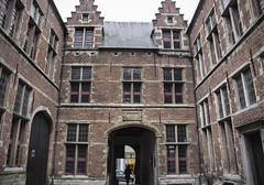 Antwerp Town (Kotomi_) Tags: antwerp antwerpen town city belgium courtyard