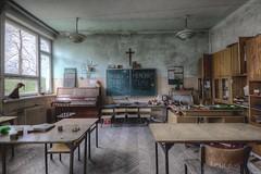 U (Městský průzkum) Tags: urbex school abandoned decay teach student students ruin ruins poland polska exploracija opuszcone budynek