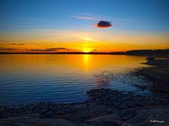 sunset in munkkiniemi (harrypwt) Tags: harrypwt helsinki munkkiniemi coastal sunset sea e520 1454 finland nature reflection