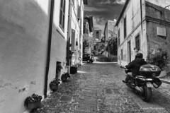 Anguillara Sabazia (Antonio Casti) Tags: casty scooter lazio chiesa paesaggio lagodibracciano anguillara italia panorama canoneos5dmarkiii italy viaggio anguillarasabazia it