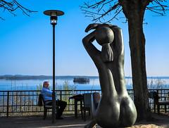 look at me ;-) (claudia.kiel) Tags: plön deutschland de schloss castle park skulptur sculpture bronze fritzduring