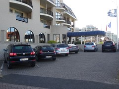 Noordwijk: German Car Parking (harry_nl) Tags: netherlands nederland 2017 noordwijk hotel parking cars germany