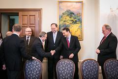 Minister Sikorski in Kyiv 01 (PolandMFA) Tags: ukraine handshake welcome ambassador kyiv minister ukraina ambasador litwin powitanie kijw radosawsikorski deshchytsia deszczyca