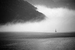 Traunsee Stimmung (winkleredgar) Tags: white black water fog austria sterreich und nikon wasser nebel weiss schwarz traunsee d3100
