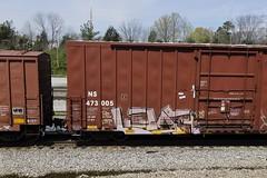Leaf (Revise_D) Tags: graffiti leaf trains tags graff tagging freight lts revised trainart fr8 bsgk benching ync fr8heaven fr8aholics revisedesigns fr8bench benchingsteelgiants freightlyfe