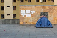 Tent and soda (10b travelling) Tags: architecture georgia asia europe can tent walkabout caucasus soda cocacola protester tbilisi sovietunion ussr eurasia sakartvelo kaukasus 2013 rustaveli carstentenbrink prliament