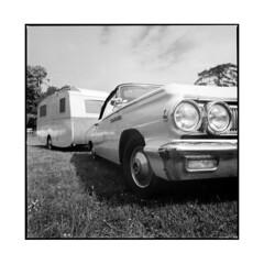 american camper • vignoles, burgundy • 2014 (lem's) Tags: camping camp classic car site automobile burgundy hasselblad american trailer camper bourgogne caravane 500cm americain vignoles