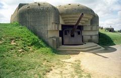 Batterie de Longues, Longues-sur-Mer (Ronald_H) Tags: holiday film de gun bunker years 70 normandy dday batterie longues longuessurmer 2014 atlantikwall
