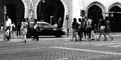 (mgkm photography) Tags: street cidade urban blackandwhite black blancoynegro portugal monochrome 50mm calle movement nikon emotion lisbon streetphotography gimp linux streetphoto rua nikkor pretoebranco lisbona blackandwhitephotography rossio streetshot urbanphotography lisboetas monochromephotography lisboanarua blackwhitephotos ptbw opensourcephotography ilustrarportugal d7000 europeanphotography streettogs